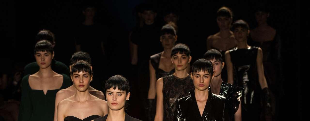 Tufi Duek: Tufi Duek es uno de los más renombrados diseñadores de moda en Brasil. A pesar de ser famoso por sus jeans, su marca es reconocida por los vestidos de noche más sofisticados. También es fundador de las marcas más populares Forum y Triton. La marca que lleva su nombre fue lanzada en 2007 y brinda prendas más exclusivas
