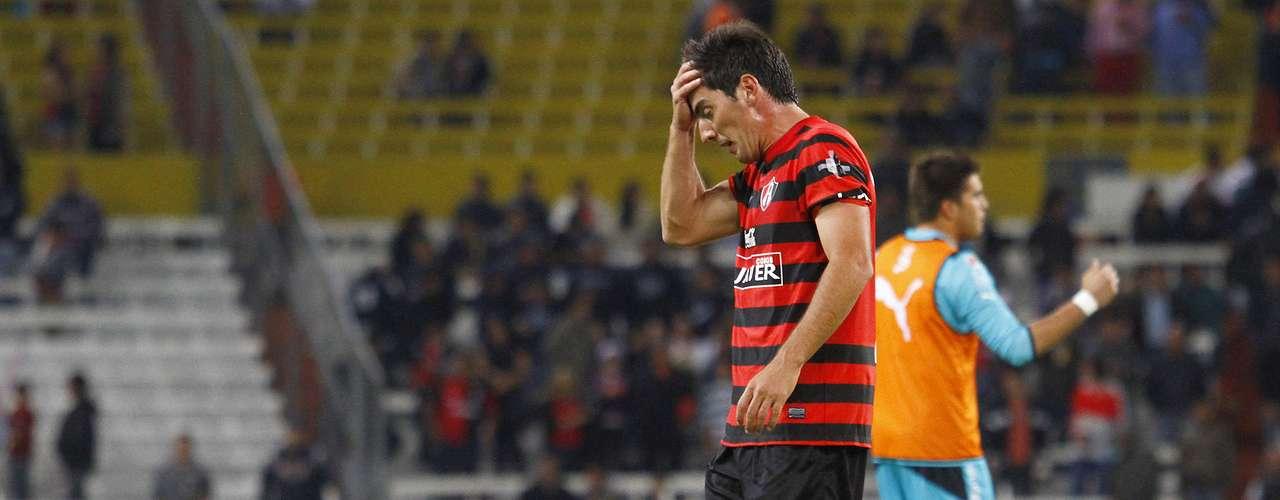 Facundo Erpen lamenta la primera derrota del Atlas en el estadio Jalisco, en el torneo Clausura 2013.