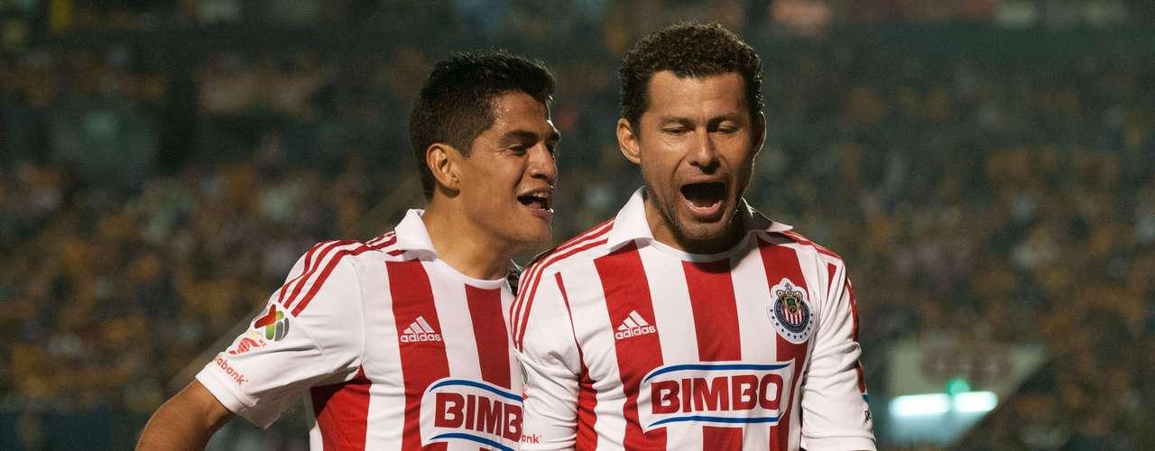 Tigres ligó su cuarto empate en casa, al sufrir para igualar a un gol con las Chivas Rayadas del Guadalajara. Miguel Sabah adelantó por el Rebaño, Damián Alvarez empató por Tigres y Lucas Lobos falló un penal.