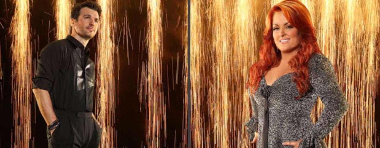 Wynonna Judd y Tony Dovolani. El talento de esta chica es contar historias, ha ganado cinco veces el premio Grammy yel premio del NewYorker. Ahora esta dispuesta a llevarsela bola de cristal de DWS. Su pareja es el ya conocido Tony Dovolani, quien ha bailado con estrellas como Stacy Keibler y Jane Seymour.