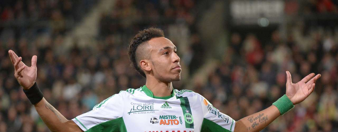 2. El segundo lugar es para el delantero gabonés del Saint-Etienne, Pierre Emerick Aubameyang, quien lleva 16 goles esta temporada. Este fin de semana no anotó.