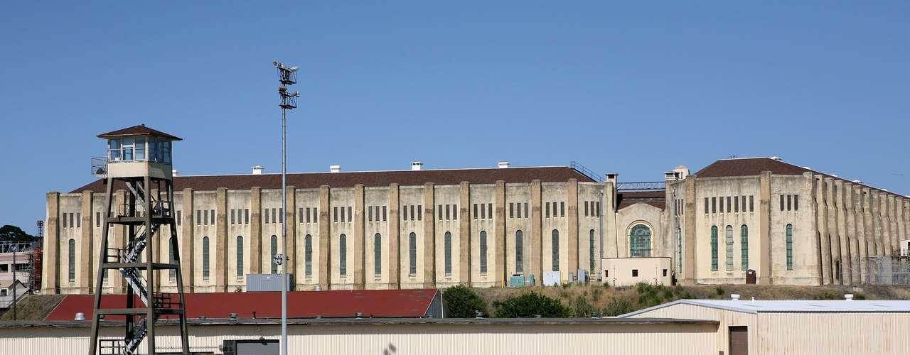 En 2003, México interpuso una denuncia ante la Corte Internacional de Justicia de la Haya contra Estados Unidos por la violación del derecho consular de 52 mexicanos que se encontraban e ese país condenados a muerte, en un proceso que se conoció como el caso Avena.