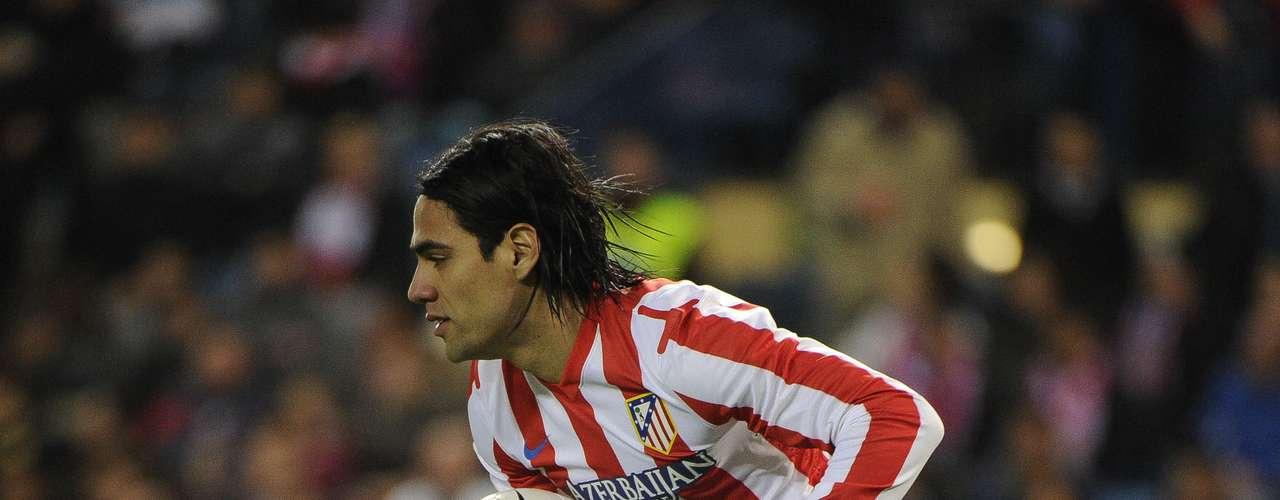 3. El tercer lugar es para el delantero colombiano del Atlético de Madrid, Radamel Falcao García, quien lleva 21 goles esta temporada. Este fin de semana no anotó.