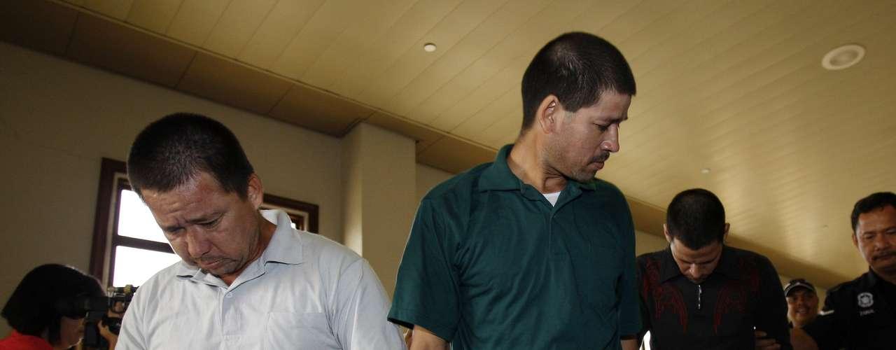 Los hermanos Villarreal, originarios de Culiacán, Sinaloa, estaban en una fábrica de metanfetamina en el país asiático al momento de su arresto. Aunque el abogado defensor, Kitson Foong, señaló que desapareció parte de la sustancia decomisada, lo que supondría una manipulación de pruebas; esto no cambió el veredicto a su favor.