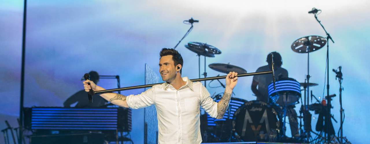 Singer Adam Levine & co. rocked LA's Staples Center decked in white this Friday (March 15.) The band is currently on tour with Neon Trees and Owl City.