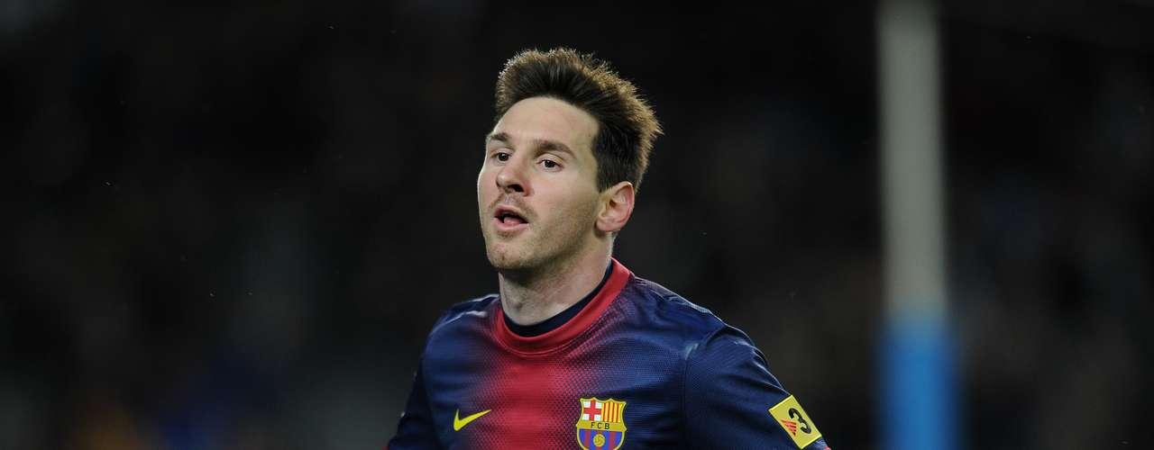 Liga Española: 1. El líder de la tabla de goleadores de España es el delantero argentino del Barcelona, Lionel Messi, quien lleva 42 goles esta temporada. Este fin de semana anotó dos goles en la victoria 3-1 de su equipo ante Rayo Vallecano.