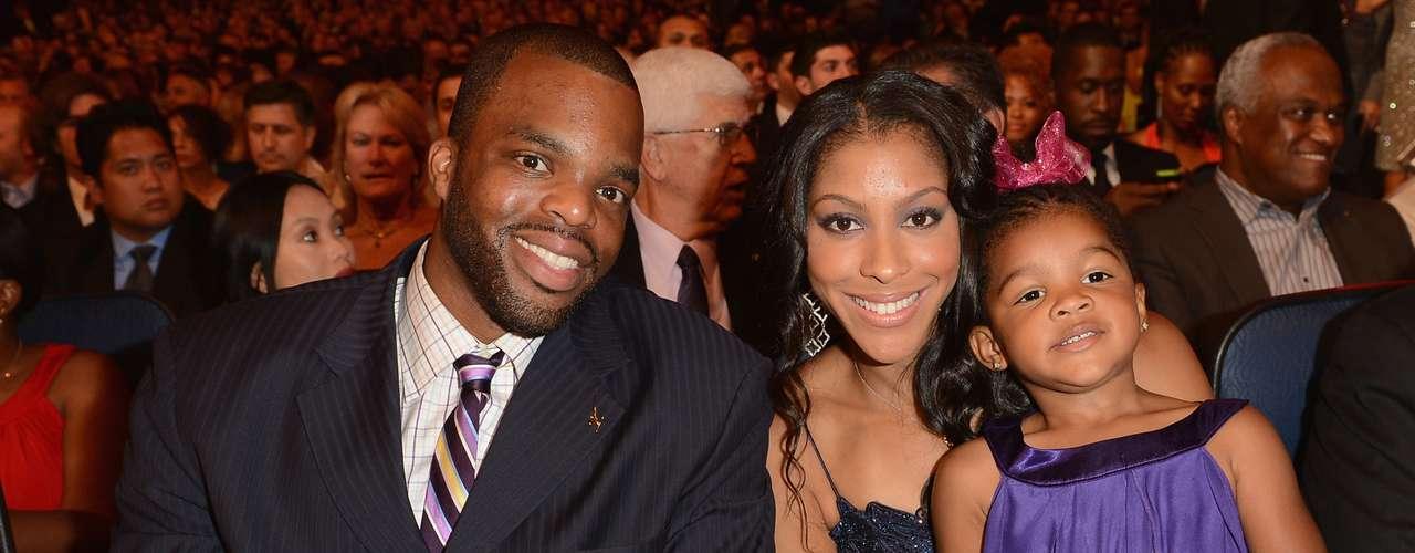 El ex jugador de la NBA y actual jugador de baloncesto de la liga francesa Shelden Williams está casado con la estrella de la WNBA Candace Parker desde 2008. Tienen una hija llamada Lailaa.