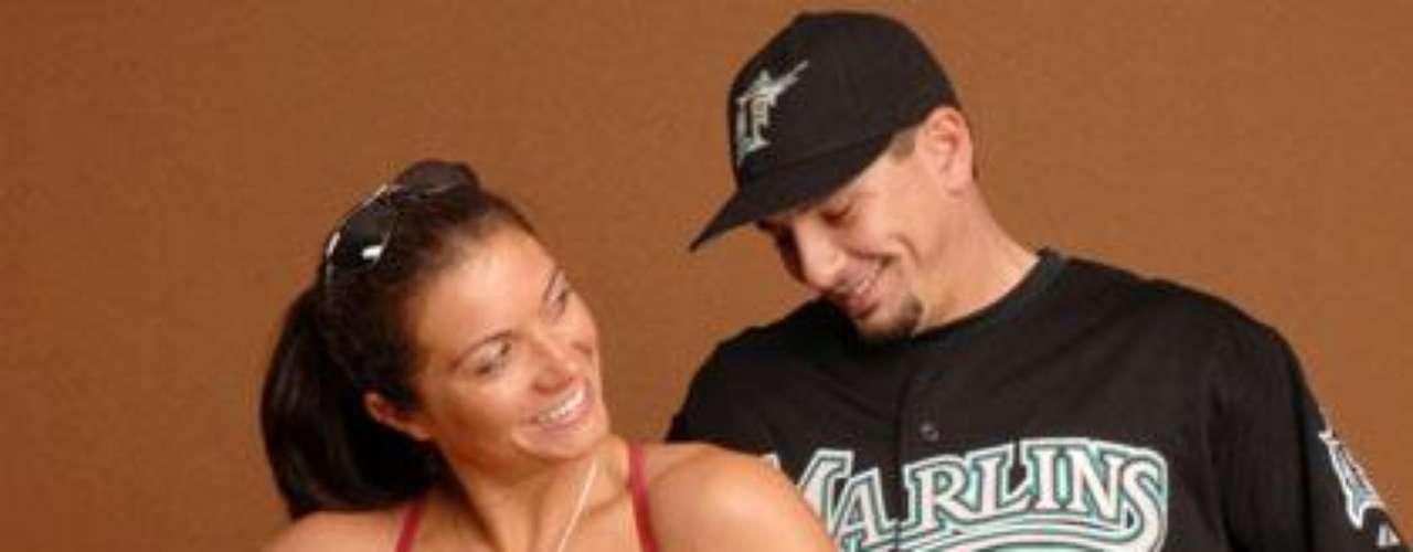 La tres veces medallista de oro de voleibol de playa Misty May-Treanor ha estado casada con su esposo Matt, quien ha jugado para cinco equipos de Grandes Ligas, desde 2004. Se dice que se conocieron en una clínica para deportistas.