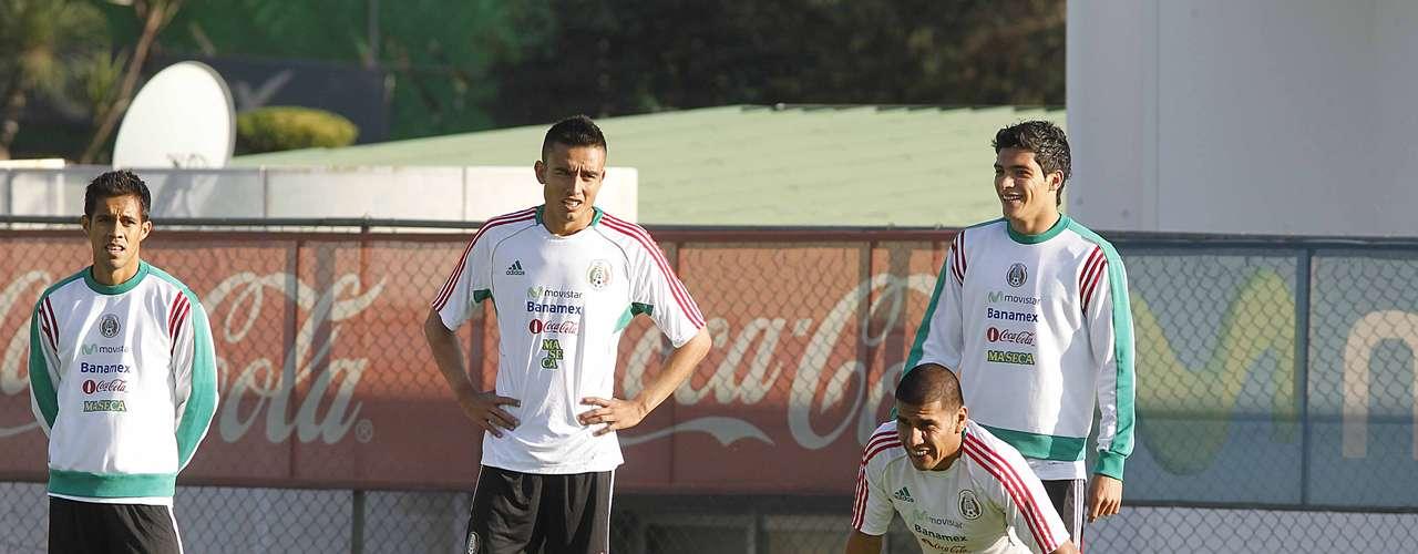 Jesús Zavala y Carlos Salcido se perfilan como la contención tricolor.