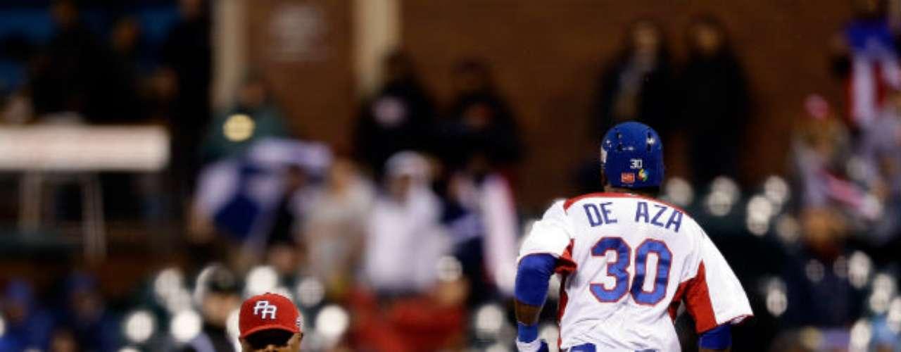 Dominicana anotó dos carreras en la parte baja de la primera entrada cuando José Reyes recibió al abridor Giancarlo Alvarado con un doble.
