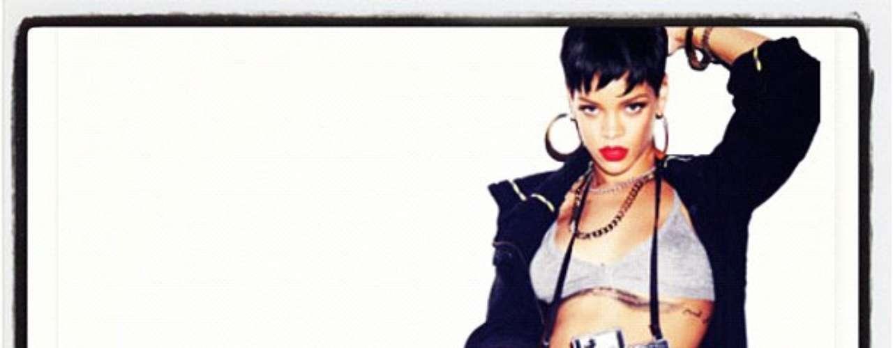 Si lo que buscas es moldear la figura para acercarte a la de Rihanna, es indispensable tener disciplina, cumpliendo con al menos tres entrenamientos de 25 minutos a la semana, pues esto lo hace cuando está fuera de casa.