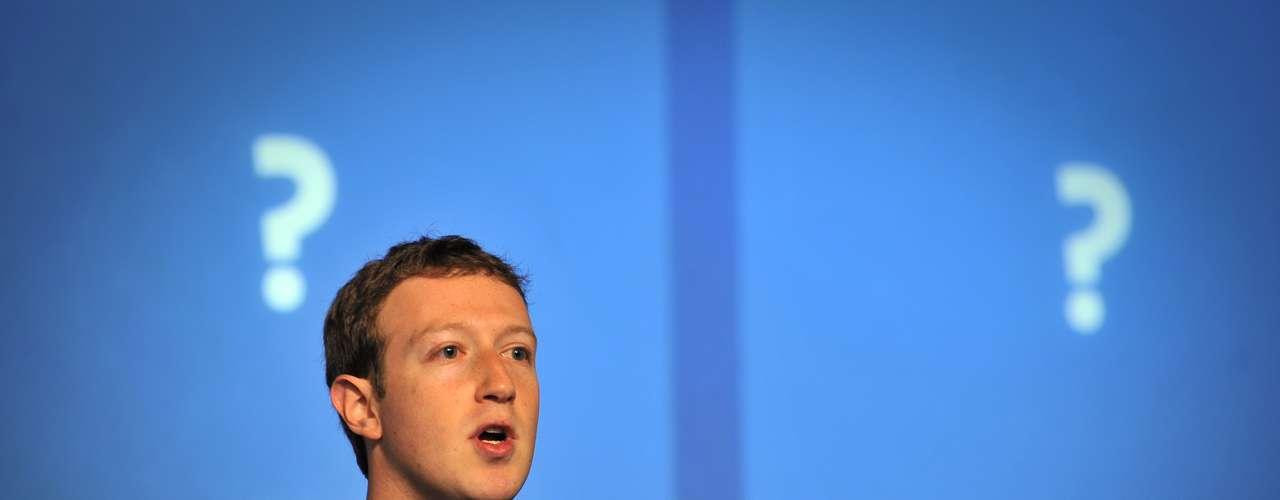 Mark Zuckerberg, líder de una de las redes sociales del momento, volvió a demostrar su olfato empresarial y se apuntó al carro de la comunicación efímera con 'poke', una aplicación con similares características a las citadas que alcanzó el primer lugar en la App Store el día del lanzamiento.