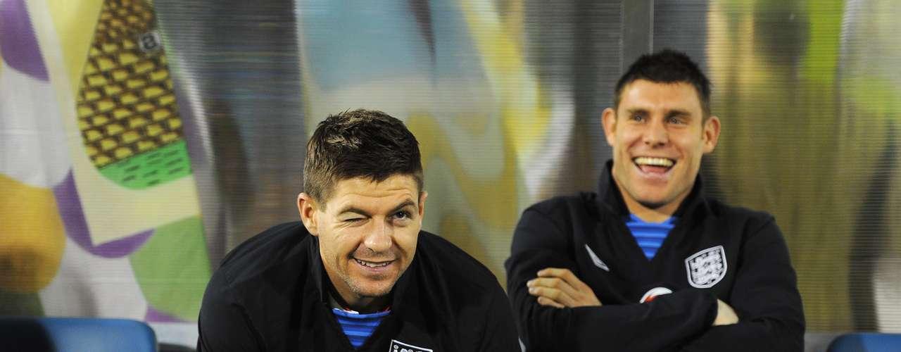 Y ¿cuál será el chiste del que se ríen Steven Gerrard y James Milner? No sabemos, pero si decían que este rival era pan comido, no se equivocaron.