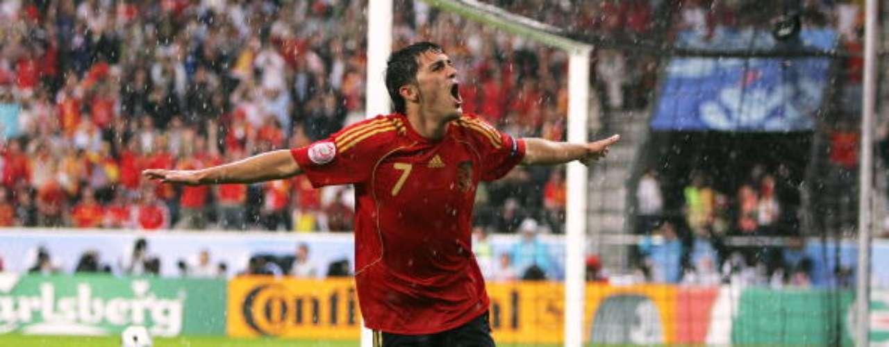 En la Eurocopa de 2008 fue el máximo goleador con cuatro tantos.