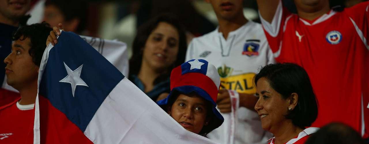 Los fanáticos chilenos también inundaron el estadio de Lima e hicieron sentir a la selección austral como en casa, pese a la derrota.
