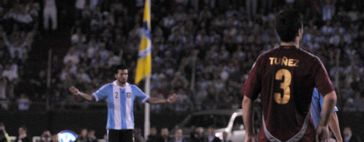 Lo mejor de Lionel Messi en Argentina-Venezuela.