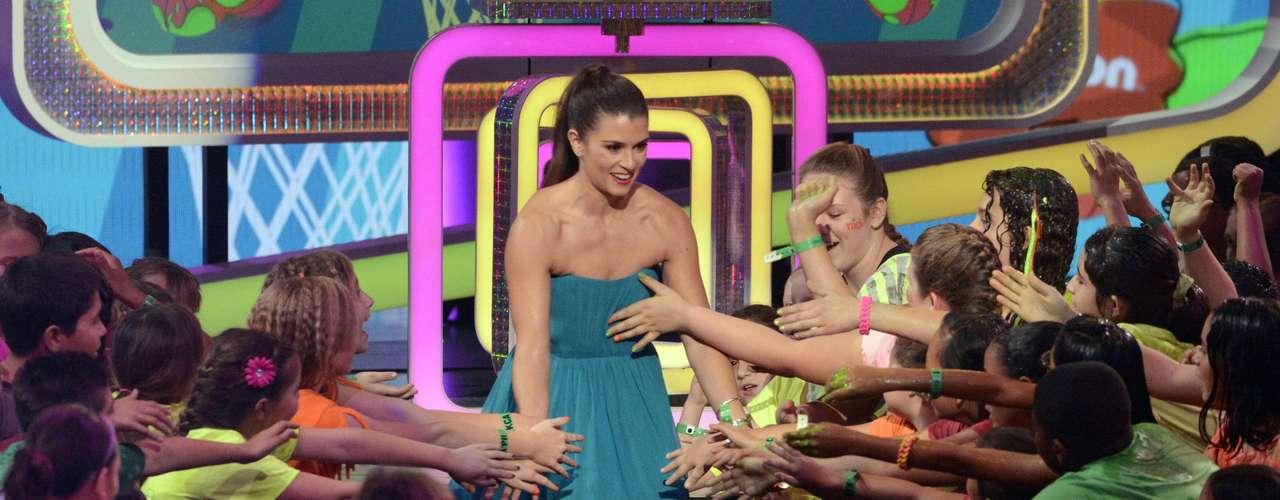 Danica Patrick es felicitada por los fans