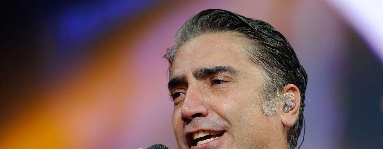 Alejandro Fernández estará cantando en el Festival People En Español 2013, el cual regresa a San Antonio, Texas, con una celebración multifacética que representa lo mejor del entretenimiento y la cultura hispana.