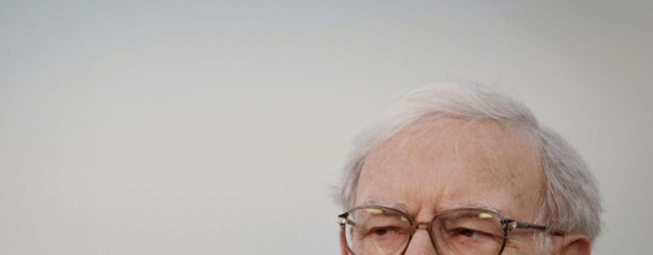 Warren Buffet con una fortuna calculada en 53,5 mil millones de dólares, nació en el estado de Nebraska en Estadios Unidos considerado el inversor a largo plazo con más éxito de la historia con una tasa de retorno compuesta del 22,3% durante 36 años. La fortuna de Buffet se estima en 53,5 mil millones de dólares