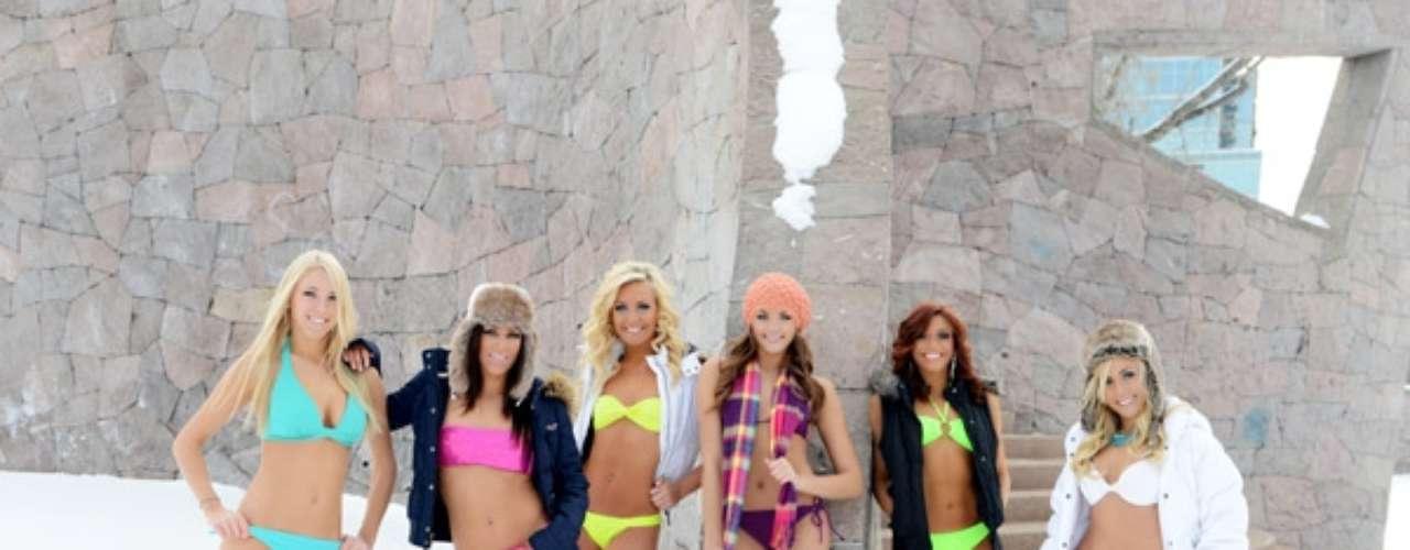 Aquí, todas las bailarinas de los Nuggets, Alex, Melissa, Becca, Emily, Nikki y Brooke posando para la cámara.
