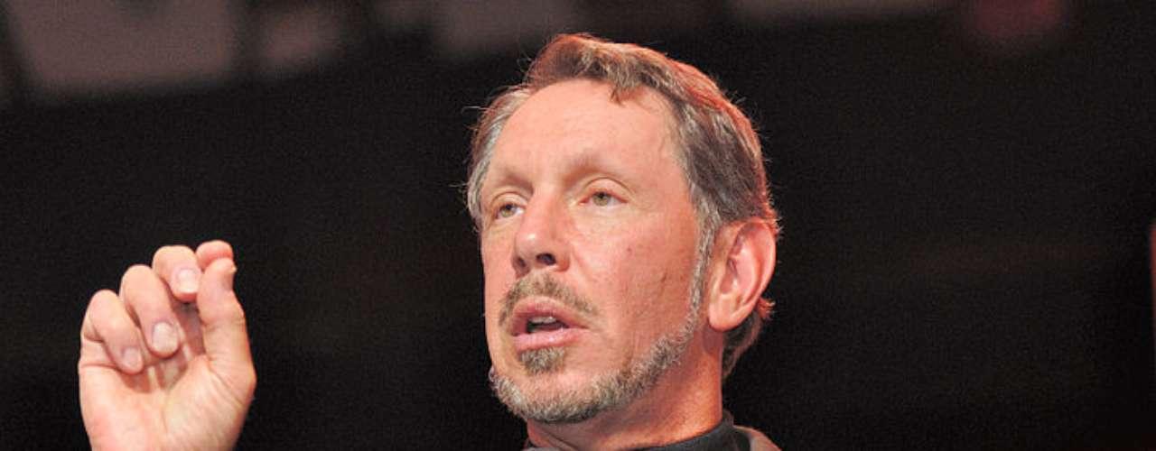 Larry Ellison,nace en Nueva York en 1944, fundador y principal figura de la compañía Oracle que fundó en 1977 con 1.400 dólares. Hoy se calcula su fortuna en 43.000 millones de dólares