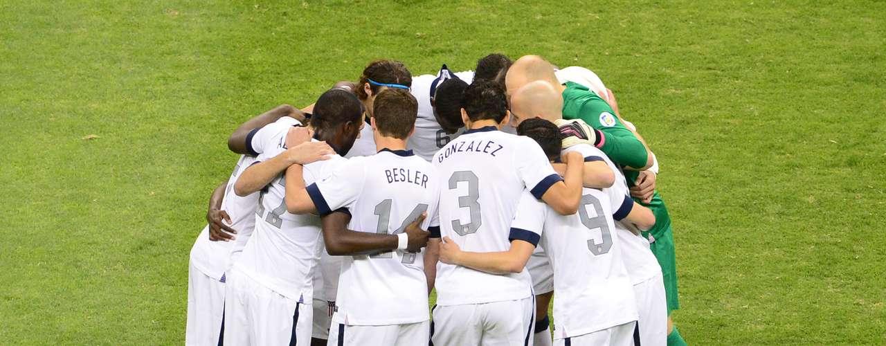 Lo mismo sucedió con los jugadores de Estados Unidos, quienes también decidieron motivarse unos a otros antes de este crucial juego.
