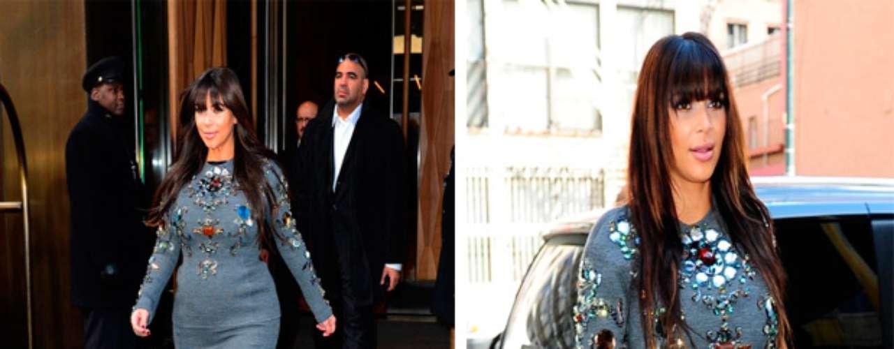 Vestidos apretados, zapatos con tacones de vértigo o faldas con demasiado vuelo fueronalgunos de los ejemplos más criticados en el vestuario de la reina del clan Kardashian.