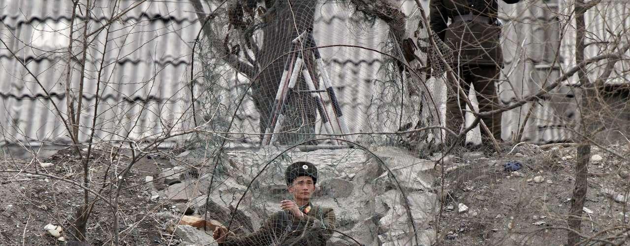 El ejército chino mantiene la normalidad en esta zona fronteriza con Corea del Norte.Pekín ha reclamado a ambas partes que se rebaje la tensión diplomática.
