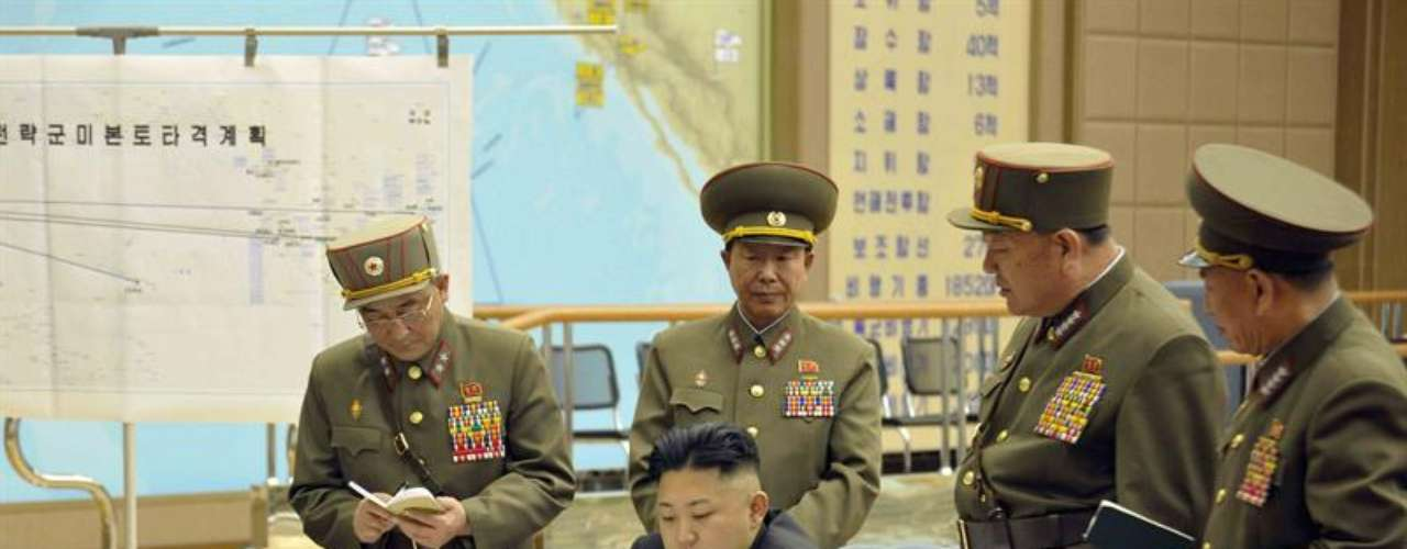 En un comunicado, Corea del Norte remarcó que 'esta guerra no durará ni tres días, sino que será una guerra relámpago, en la que el Ejército Popular de Corea ocupará todas las áreas de Corea del Sur, incluyendo la isla de Jeju, de un solo golpe, sin dar tiempo a EE.UU. y a sus títeres belicistas para recobrar el sentido. La guerra se desarrollará por tierra, mar y aire, en la línea del frente y en la retaguardia'.
