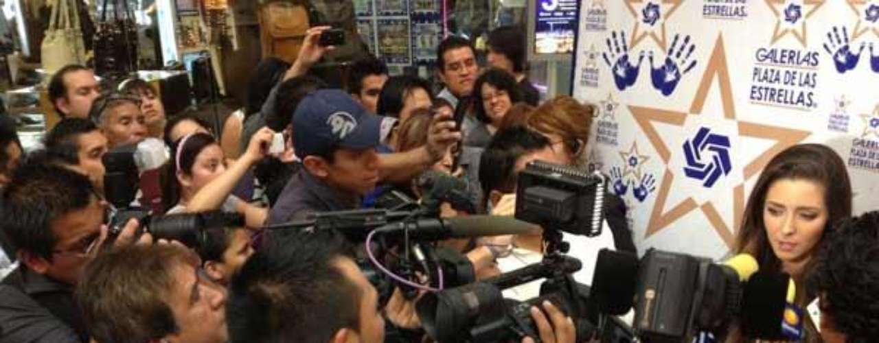 Sin embargo, dijo que desea encaminar su carrera hacia el teatro oel cine, y si en algún momento necesita actuar sin ropa porque supersonaje lo requiera, entonces no lo dudaría.Aislinn Derbez, de latelevisión a portada de revista para caballeros  Aylín Mujica presenta orgullosa surevista de Playboy  Estrellas denovela que se han desnudado en Playboy