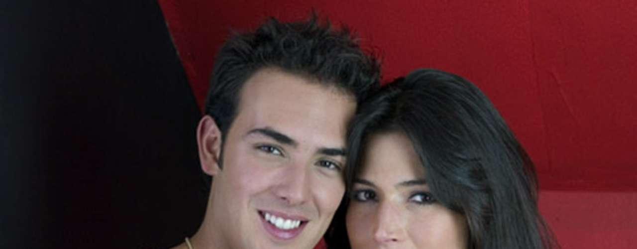 Sebastián Martínez y Kathy Sáenz se conocieron en el set de grabación de 'Juegos prohibidos'. A pesar de ser criticados por su diferencia de edad, se casaron y tienen un hijo.