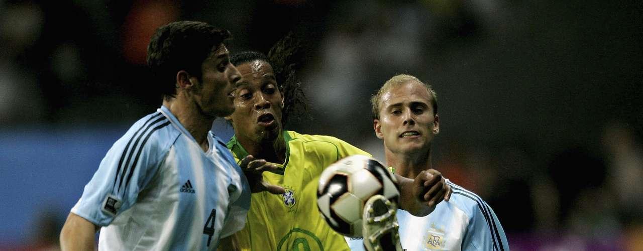 El segundo título lo consiguieron los brasileños en la Confederaciones de Alemania 2005, superando en la final nada menos que a su rival histórico, Argentina, al cual vencieron con una goleada de 4 a 1.