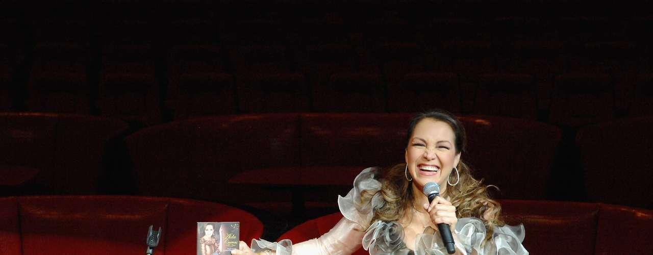 Aida Cuevas regresa por todo lo alto. La estrella anunció un gran showpara celebrar el Cinco de Mayo enel majestuso The New Tropicana de Las Vegas.
