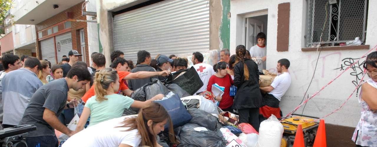 El Sindicato Único de Trabajadores de la Educación de la Provincia de Buenos Aires (Suteba) habilitó para el mismo fin sus 147 sedes distribuidas por todo el territorio bonaerense.