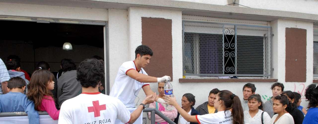 El Foro por los Derechos de la Niñez, la Adolescencia y la Juventud de la provincia de Buenos Aires y otras entidades que integran la Central de Trabajadores de la Argentina recibe donaciones las calles 11 y 56.