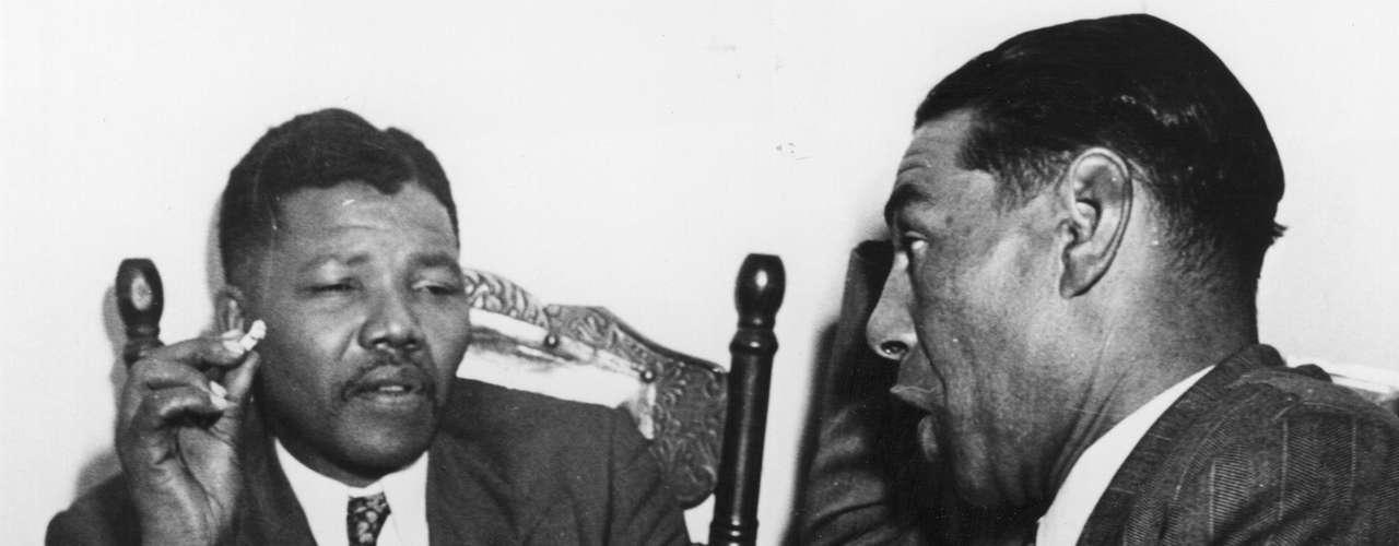 2. Cautiverio: A pesar de las duras condiciones en Robben Island, isla en la que quedó arrestado Mandela durante 17 años, las convicciones del líder sobre su lucha política se mantuvieron fuertes.