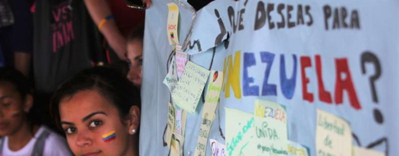 Según Jasmín López, directora de Comunicaciones del conglomerado de partidos políticos de la oposición venezolana \