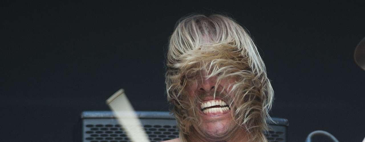 Esta vez Chile si tuvo un show secreto en Kidzapalloza y vaya qué fue inesperado. A través de redes sociales, durante el día corrió el rumor de que el baterista de Foo Fighters, Taylor Hawkins, se tomaría el pequeño escenario.