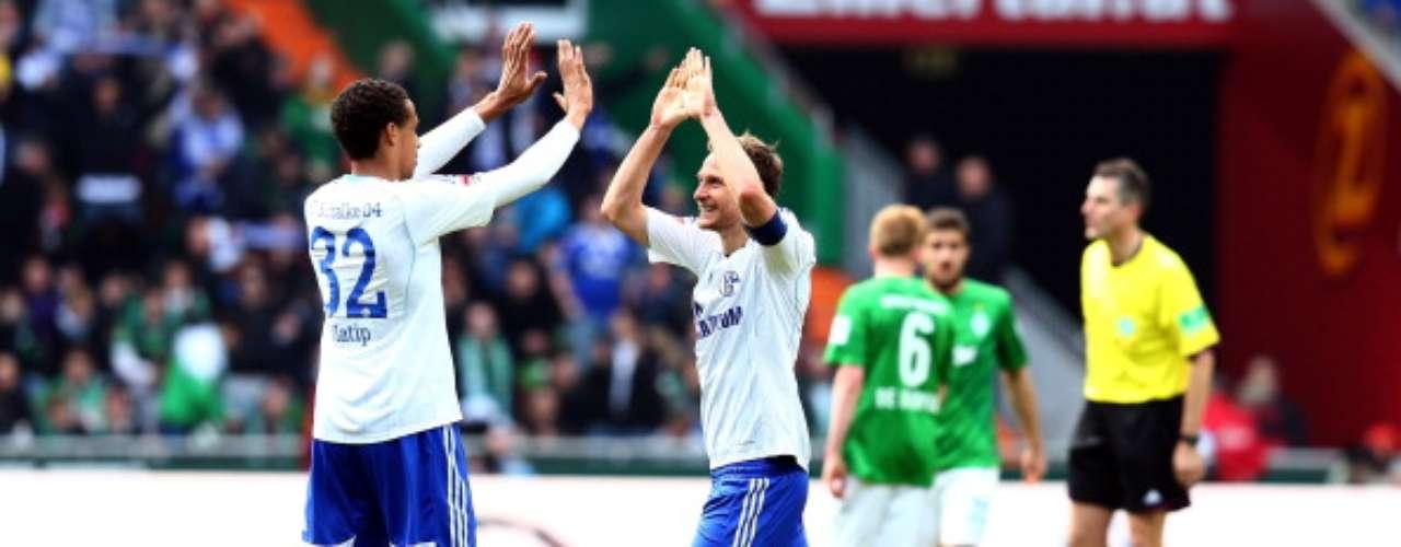 Schalke derrotó 2-0 en calidad de visitante aWerder Bremen y llegóal cuarto sitio general.