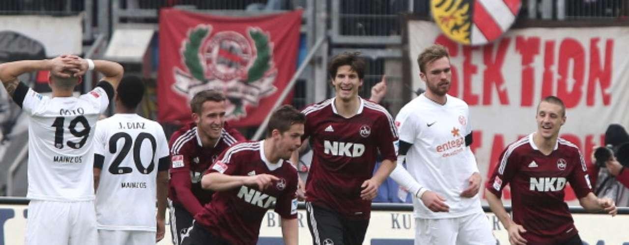 Per Nilsson celebra la victoria deNuremberg de 2-1 sobre el Mainz.