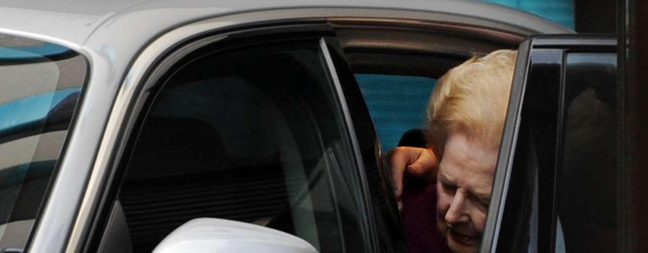 Los pacientes luego de ser diagnosticados deben llevar una vida tranquila, como en el caso de la baronesa, que luego de haber contraído la enfermedad de Alzheimer en la década de 2000, por recomendación de sus médicos, quien se encontraba muy débil físicamente, debía hacer muy pocas apariciones públicas.