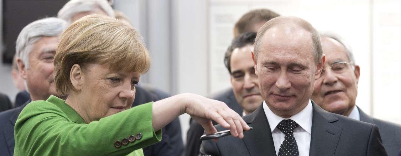 Merkel había animado anoche a Putin a apostar por el desarrollo de la sociedad civil y las ONG en su país en la ceremonia inaugural de la Feria de Hannover.
