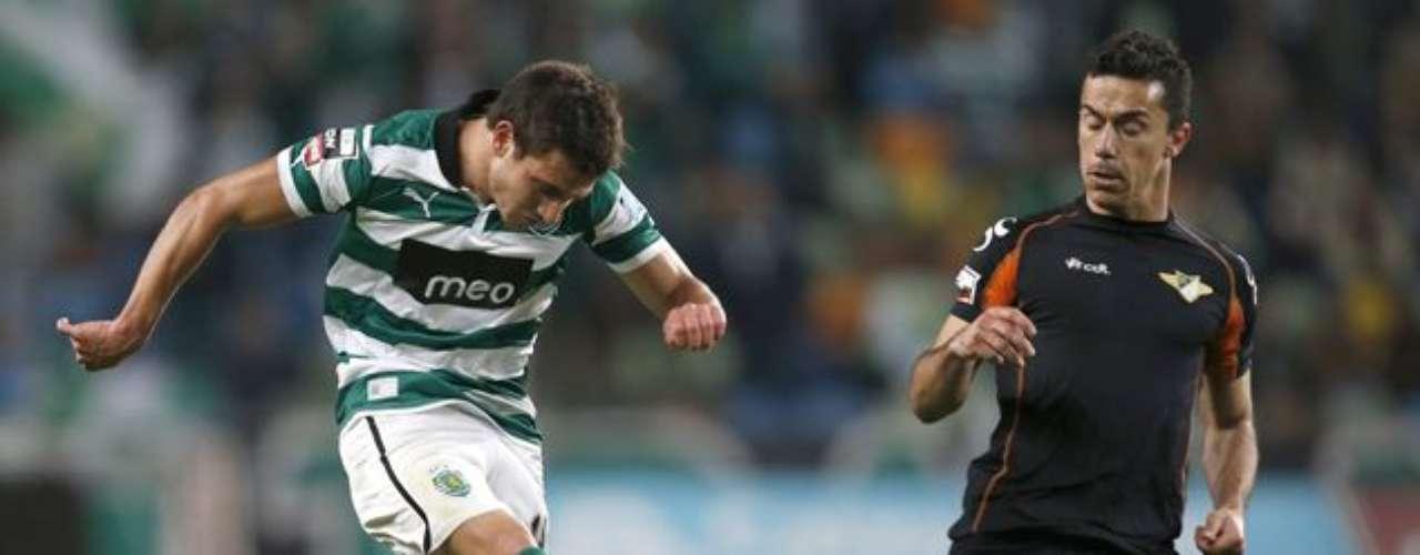 El Sporting de Lisboa se dio un bálsamo en casa y ganó apretadamente por 3-2 al Moreirense.