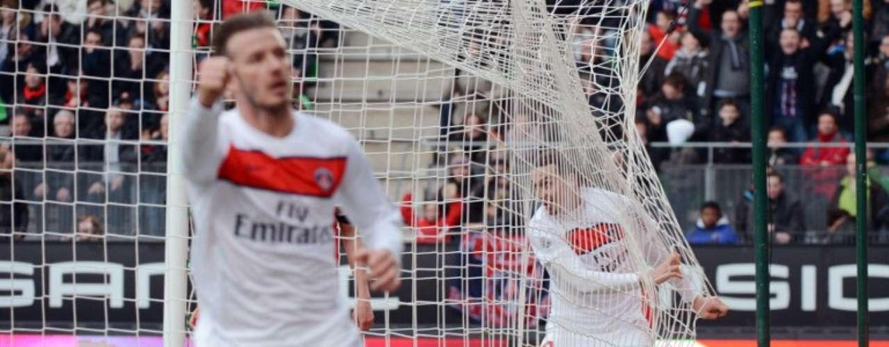 París Saint-Germain venció 2-0 a Rennes para mantener distancia de siete puntos sobre Marsella.
