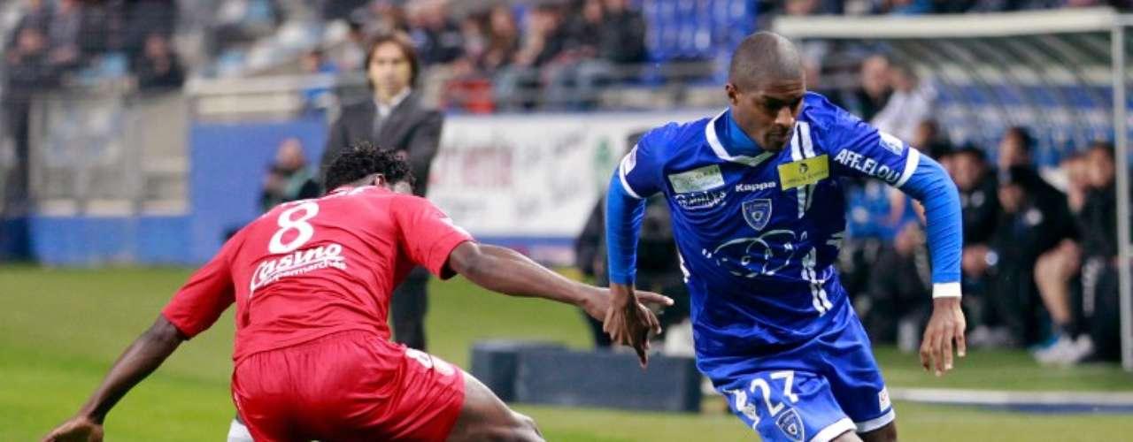 Bastia goleó 4-0 al Brest.