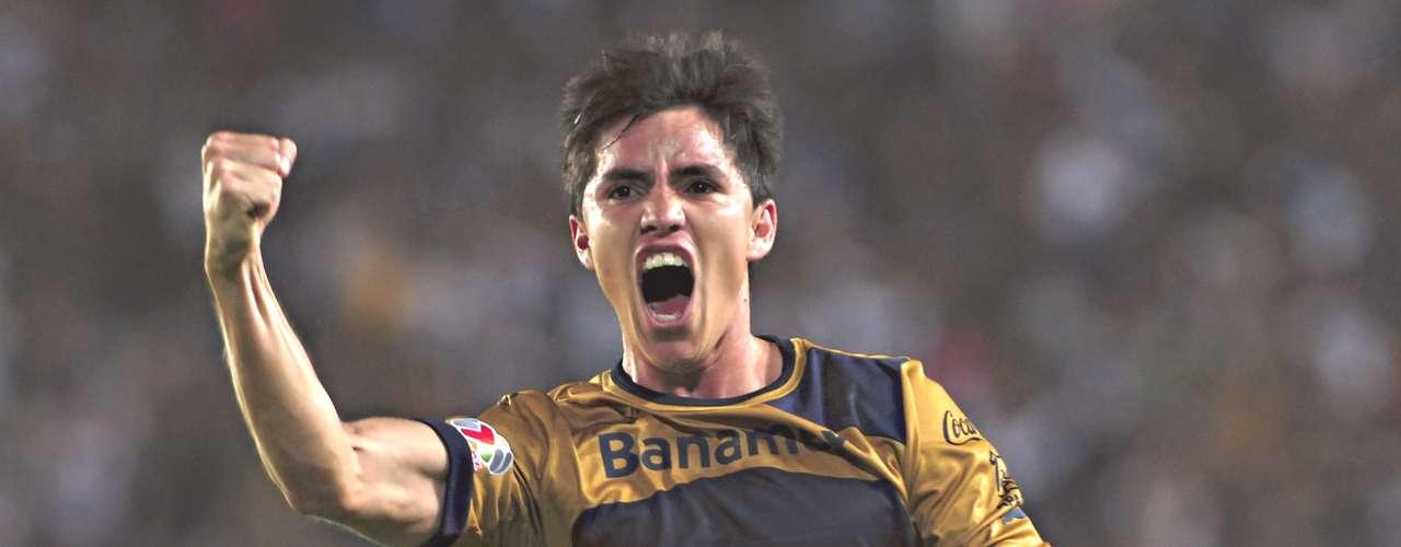 Lateral - Efraín Velarde - Pumas. El 'Chispa' abrió el marcador ante Pachuca y encaminó a los universitarios al triunfo