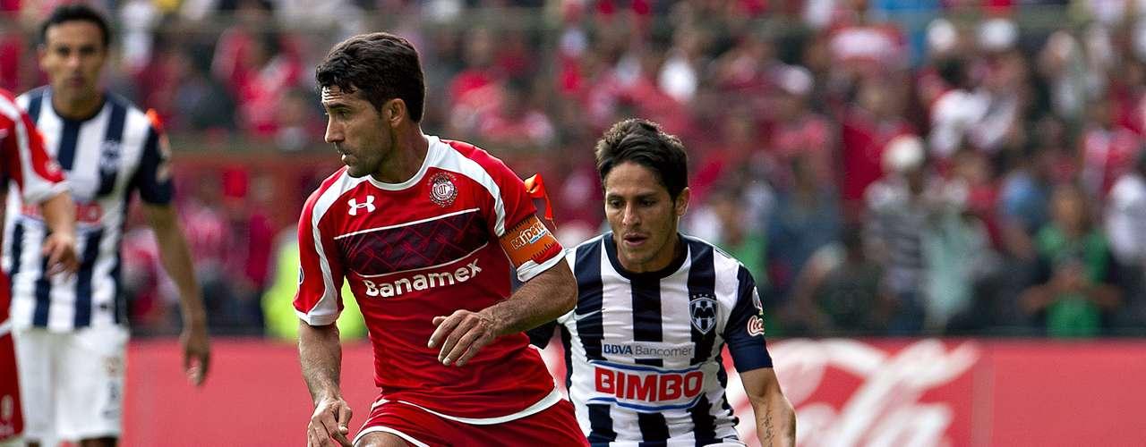 Volante ofensivo - Antonio Naelson - Toluca. 'Sinha' fue el motor de los Diablos ante Monterrey, sin él en el campo el resultado pudo ser diferente