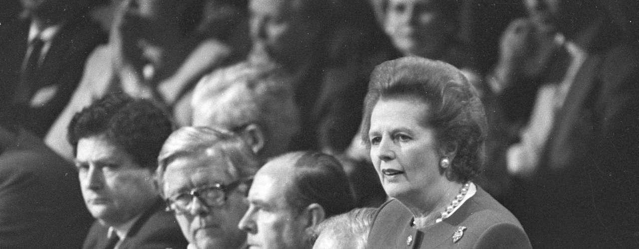 El paso más importante lo daría en 1959 cuando fue elegida diputada por la circunscripción de Finchley (norte de Londres), lo que le permitió ocupar la subsecretaría de Estado de Pensiones en el Gobierno de Harold Mcmillan (1957-63). Después desempeñaría diversos cargos en su partido cuando estaba en la oposición hasta 1970.