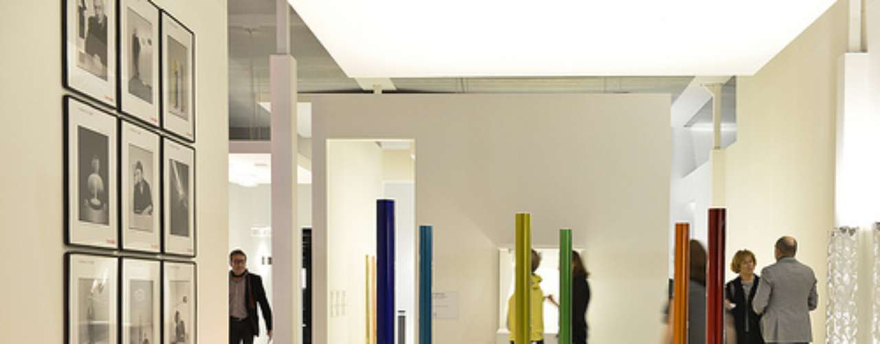 Euroluce es el pabellón dedicado a la iluminación. Todos los objetos aquí exhibidos tienen algo en común: son ahorradores de energía y están pensados para crear espacios sustentables.