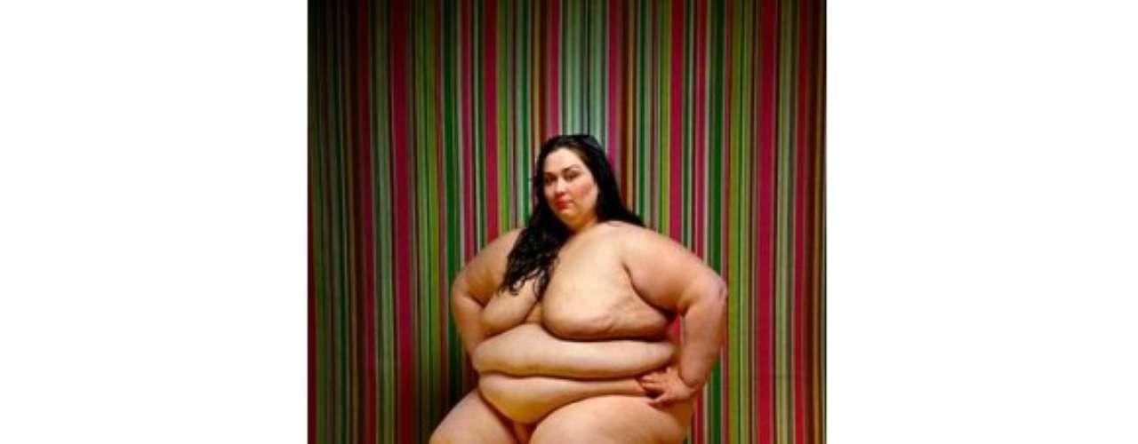 El fotógrafo Italiano Yossi Loloi, se encargó de crear el proyecto fotográfico Full Beauty (Belleza Plena), donde se fotografiaron de una manera muy real y artística a mujeres con obesidad mórbida.
